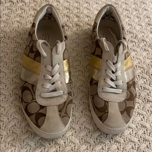 Rare vintage tan and gold coach sneaker